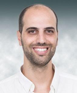 ינון אביזדריס, אדריכל החברה, אדם שוסטר