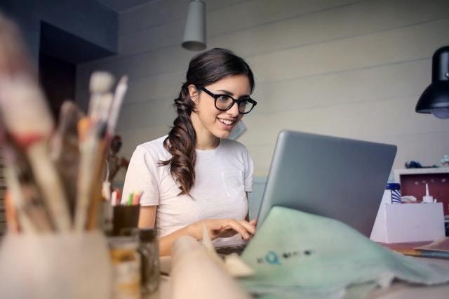 """יום האישה 2019 : שיעור הנשים המכהנות בתפקיד מנכ""""ל 4% בלבד ; שיעור היו""""ריות 5%"""