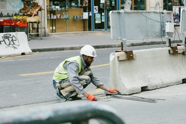 תכנית ממשלתית תנסה להפחית את הקריסה בענף התשתיות (ממון, ידיעות אחרונות / ynet)