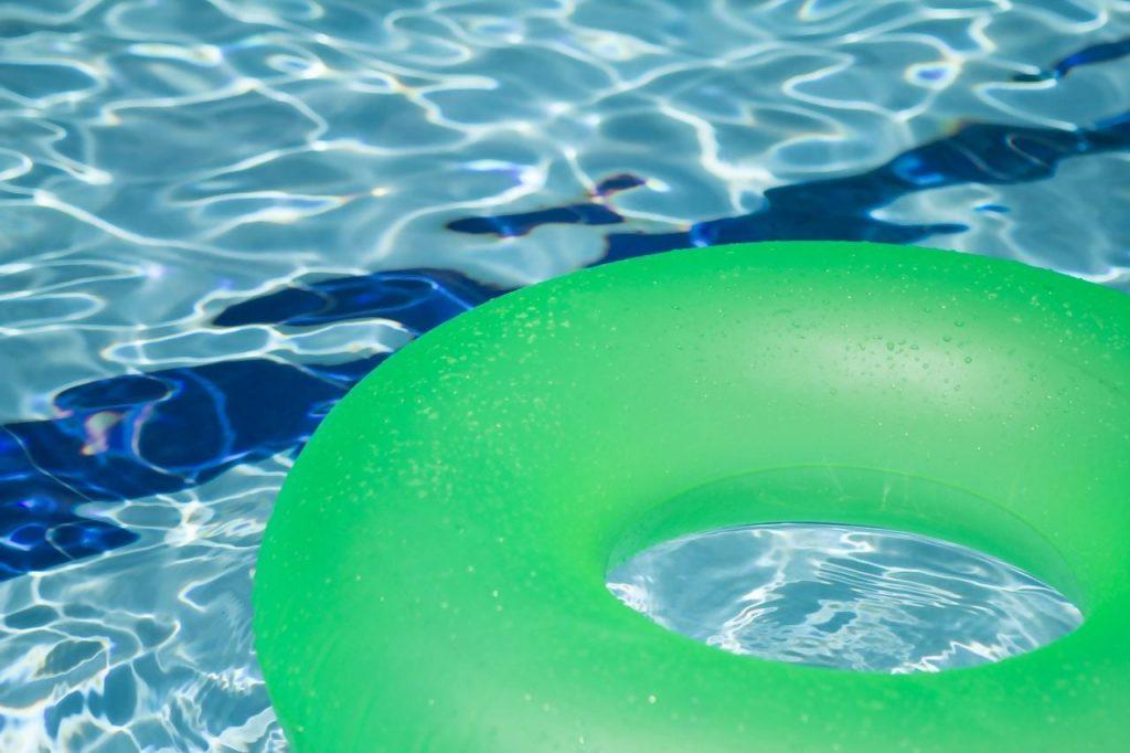 בדיקה של Coface BDi מגלה ירידה של 20%-30% במספר הכניסות לבריכות השחייה בישראל